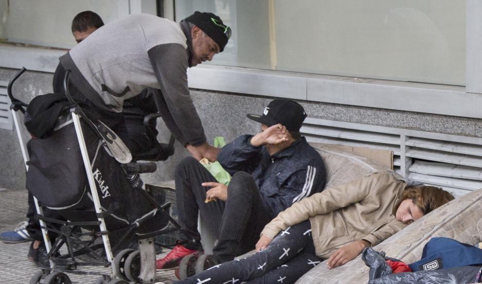 En octubre, una familia tipo necesitó casi $50.000 para no ser pobre