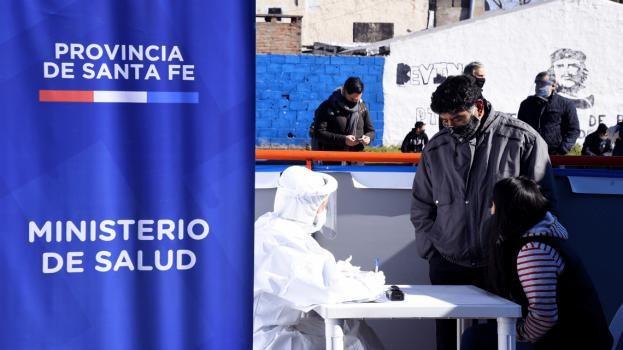 Con 1.507 casos más y 30 muertes, Santa Fe superó los 130.000 contagios y llegó a los 1.900 decesos