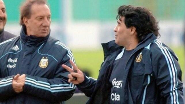 A Bilardo le apagaron el televisor para evitar que sepa de la muerte de Maradona