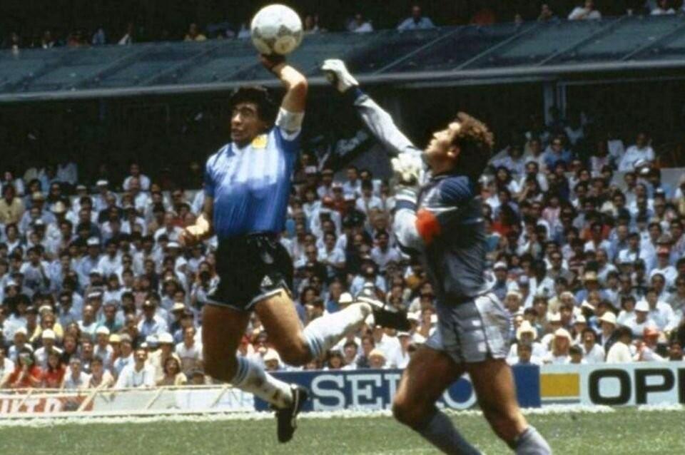 La Mano de Dios, otro de los goles inolvidables de Maradona