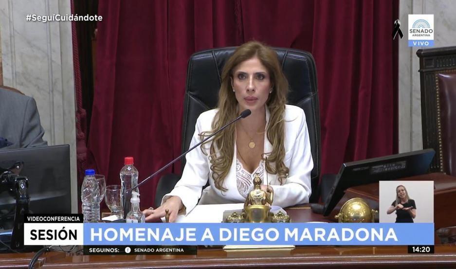 Claudia Zamora presidió parte del homenaje que el Senado realizó a Diego Armando Maradona