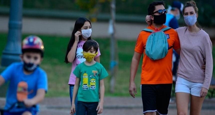 Anticipan que habrá una baja de casos de coronavirus el próximo mes