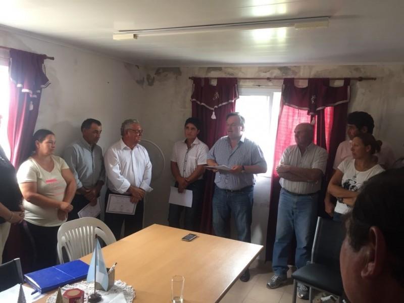 Michlig encabezó el acto de Asunción del Presidente Comunal de Las Avispas y entregó $ 447.000 del FOM