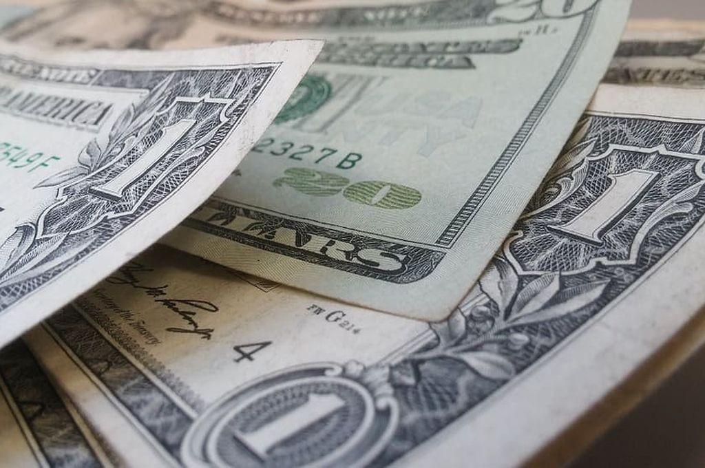 Tercer avance consecutivo del dólar, que cerró en $ 39,25