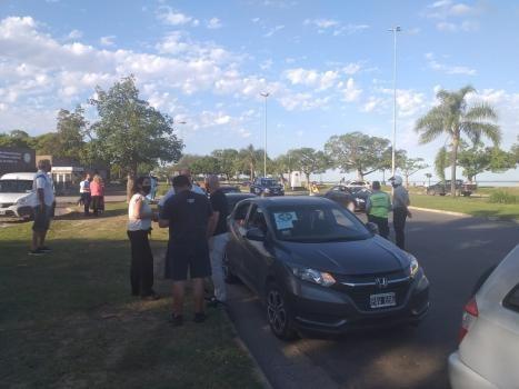 Vecinos de distintos barrios hicieron una caravana para pedir más seguridad y solicitaron una audiencia con Sain