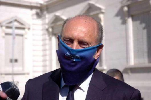El gobernador Omar Perotti confirmó que tiene coronavirus