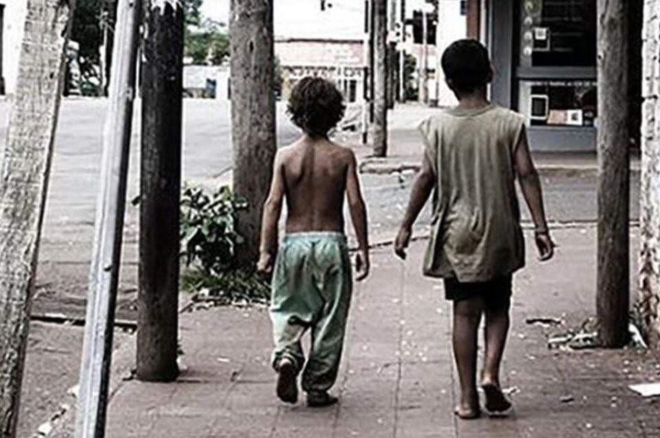 Pese a la tarjeta Alimentar, los chicos pasaron hambre en 2020