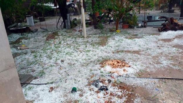Setenta familias fueron evacuadas por un temporal de viento y granizo en Santiago del Estero