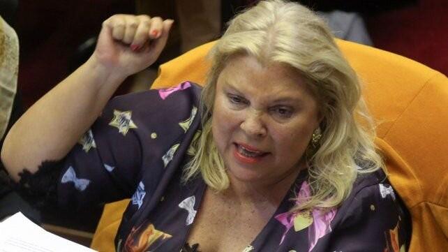 Carrió cuestionó a Cristina por cobrar dos pensiones honoríficas más el sueldo de vicepresidenta