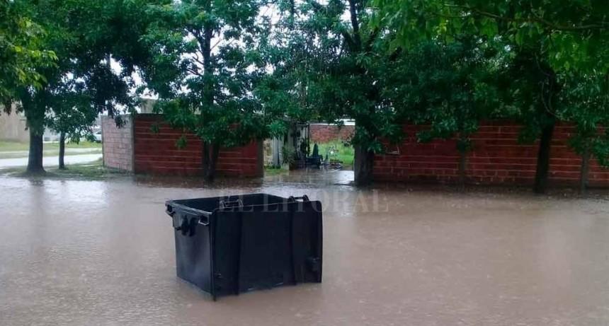Las lluvias hunden a pueblos enteros bajo el agua y la desesperación