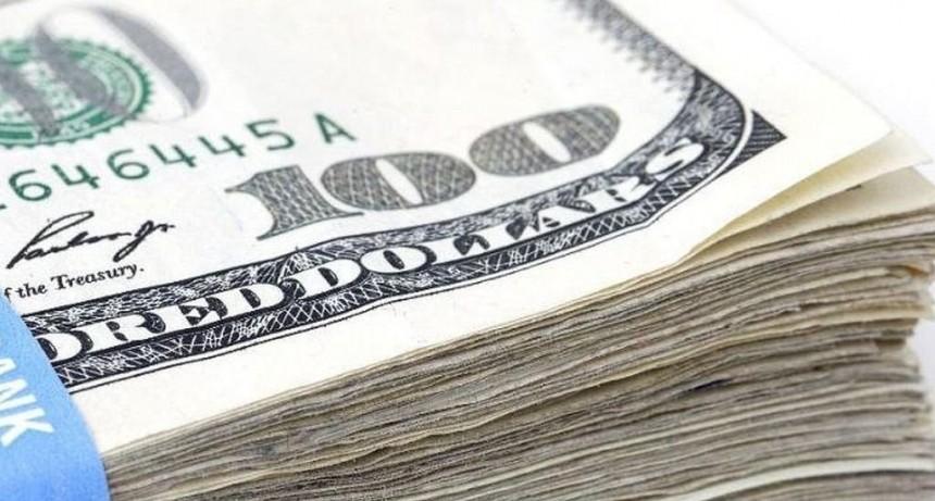 El dólar cerró a $ 38,65