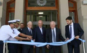 Lifschitz inauguró el nuevo edificio de la Policía de Investigaciones en Rosario