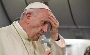 El Papa denunció el envenenamiento de la tierra y la contaminación de los mares