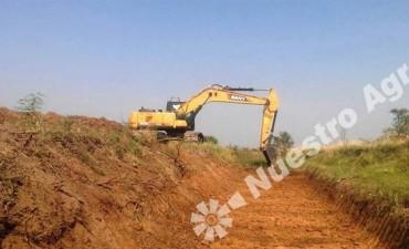 Avanzan las obras hídricas en el Departamento San Cristóbal