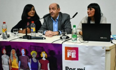 """La provincia presentó el programa """"Por mi, por todas"""" para el fortalecer el derecho de las mujeres"""