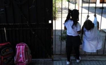 Qué pasa con los padres que demoran en buscar a sus hijos a la escuela