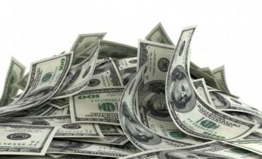 El dólar cerró a $16,41, un nuevo máximo histórico