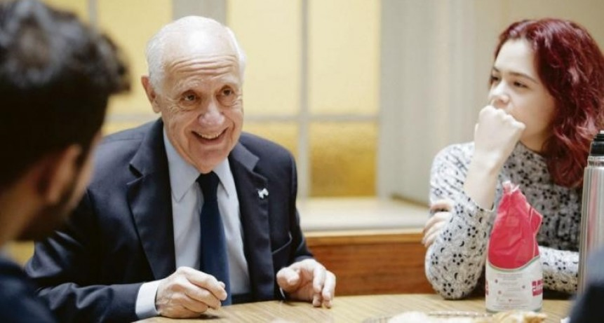 Lavagna confirmó candidatura e irá a PASO en Alternativa Federal