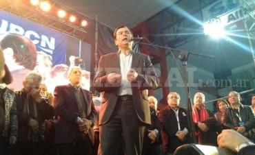 El senador Zamora y Neder cerraron el plenario de la CGT