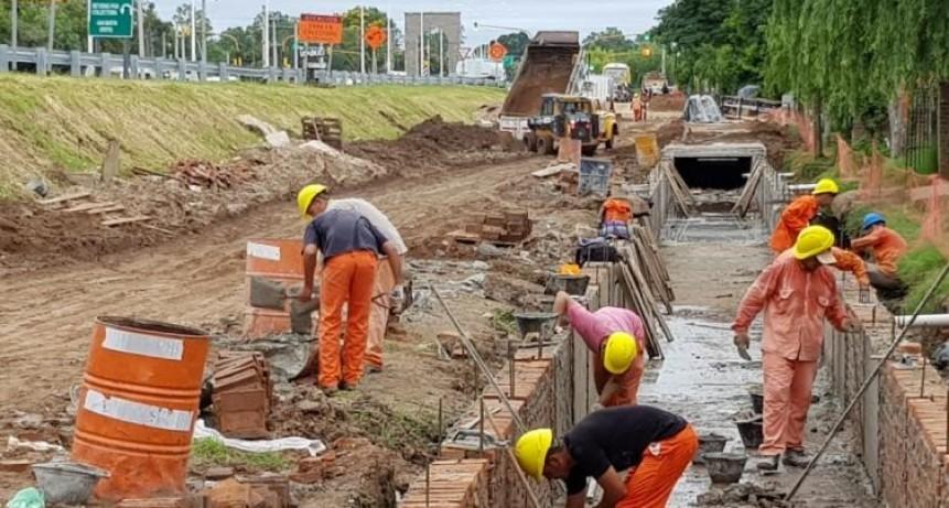 La provincia avanza con obras viales e hídricas