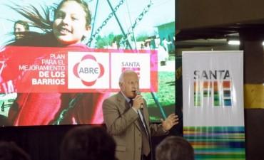 Lifschitz presentó el proyecto de mejoramiento integral del barrio Las Flores II