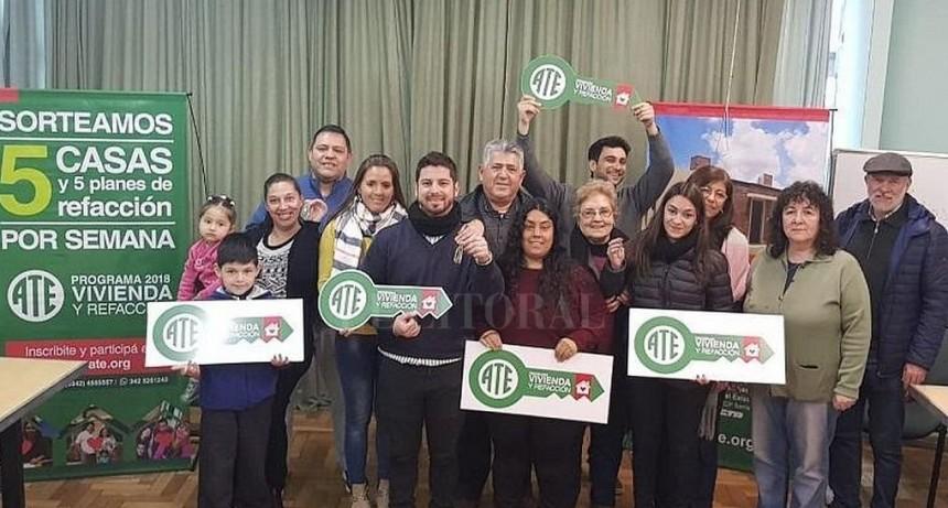 La alegría de la casa propia: nuevos propietarios beneficiarios del Programa ATE Vivienda y Refacción