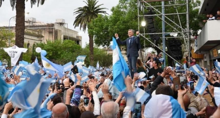 """Macri visita el norte santafesino, en el marco de la campaña """"Sí, se puede"""""""
