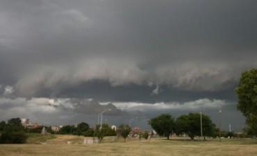 Hay alerta por tormentas y caída de granizo para este jueves