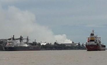 Fuerte explosión en una cerealera: un muerto y al menos 20 heridos